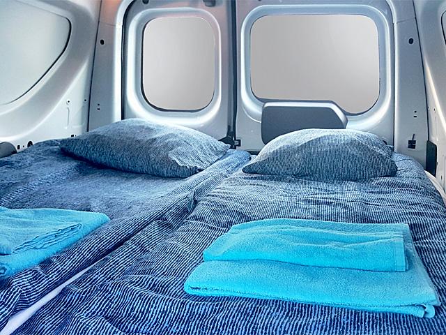 island wohnmobile mieten touringcars rent a camper. Black Bedroom Furniture Sets. Home Design Ideas