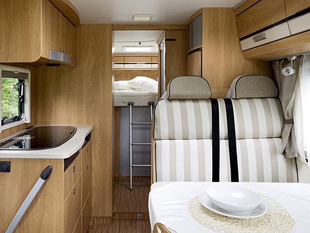 m laga wohnmobile mieten rent a camper. Black Bedroom Furniture Sets. Home Design Ideas